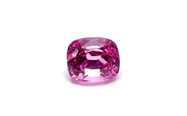 ピンク スピネル